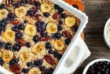 Oatmeal Recipes / An array of oatmeal recipes featuring organic @NaturesPath oatmeal. Everything from overnight oats, to baked oatmeal and the best oatmeal toppings for a wholesome breakfast.