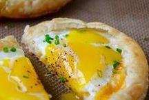 Las mejores recetas con huevo vistas en Pinterest / El huevo es uno de los imprescindibles de nuestra cocina y es que tenemos que reconocer que somos unas verdaderas apasionadas. Nos gustan cocidos, fritos, escalfados, rellenos... Y es que es maravilloso pensar que un alimento tan cotidiano, ponga a nuestra disposición un número tal de recetas deliciosas. ¿Quieres encontrar inspiración con nosotras en los tablones de Pinterest?