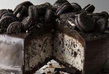 Yummy desserts / by Kristen @ DownHomeInspiration
