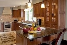Transitional Kitchen in Maple Glen, PA / This transitional kitchen in Maple Glen, PA was built and designed by HomeTech Renovations, an award-winning renovator serving the Greater Philadelphia area.