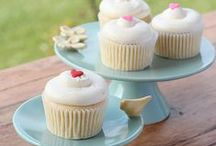 Cupcake and Muffin Recipes / Easy cupcake and easy muffin recipes including cupcake recipes from scratch, cupcake recipes for kids, healthy muffin recipes and muffin recipes for kids.