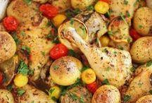 Chicken Recipes / Easy chicken recipes for dinner including healthy chicken recipes, crockpot chicken recipes and chicken recipes kids will love.