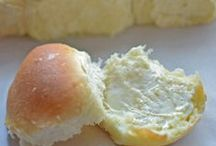 Bread & Biscuit Recipes / Everyone loves the carby deliciousness of easy bread recipes. Since I'm from the south, I love a variety of biscuit recipes, too.