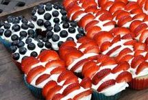 Savvy Patriotic Holiday Ideas / Recipes, crafts and other ideas for US Patriotic holidays like Independence and Memorial Day. Memorial Day recipes. 4th of July recipes. Memorial Day crafts. 4th of July crafts.