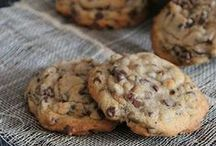Cookie Recipes / Get the milk ready for these easy cookie recipes including cookie recipes from scratch, cookie recipes with cake mix and cookie recipes for kids.