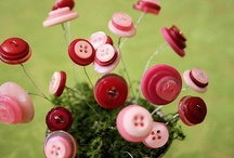 Buttons, Bows and Bright Baubles / by Robyn Jones