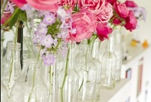 bottles and Jars / What a beautiful, inexpensive and friendly way to decorate. Jam jars and bottles are always there, waiting to be used. So let s use them...