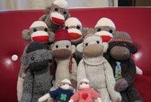 ソックモンキー/Sock Monkeys / They are sock monkeys I made. Please visit my sock monkeys at: http://sockyworld.com