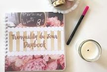 tranquility du jour daybook / Stay in touch with your week's most important tasks and your life's most important dreams. It's a pink and gold planner, lifestyle organizer, and wellness guide all in one.