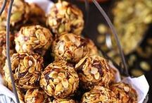 Artful Snackeroos! / Num-num. Healthy. Munchie cures.