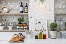 Kitchens / by Briana Budgin