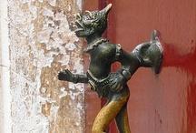 Door Handles And Knoquers / by Aida Lopez Fortier