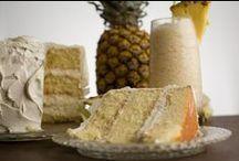 Cake/Cupcakes - Pineapple / by Meriem Bustos