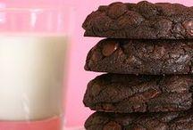 Cookies - Chocolate Recipes / by Meriem Bustos