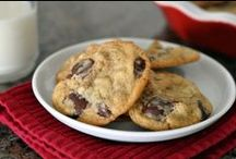Cookies - Chocolate Chip Recipes / by Meriem Bustos
