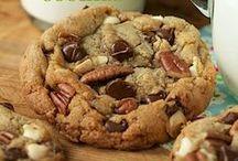 Cookies - Compost Cookie Recipes / by Meriem Bustos
