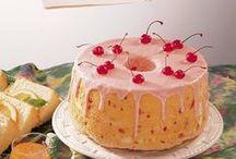 Cake/Cupcakes - Angel Food / by Meriem Bustos
