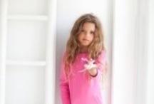 bobbi ravioli zomer 2013 / Welkom bij bobbi ravioli, een nieuw kinderkledingmerk dat zich richt op hippe meisjes van 2 tot 8 jaar. bobbi ravioli combineert tijdloze modellen en een perfecte pasvorm met frisse kleuren en verrassende details. De stijl is te typeren als 'less is more'.  love life & enjoy!