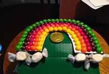 St. Patty's Day Party Ideas / Green candy, rainbow candy, leprechaun candy, St. Patrick's Day Party, Candy, and craft ideas.