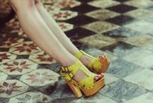 Shoes are made for walking... / SCHUHE - größter Einkaufsspaß der Welt, bestes Accessoire und je nach dem Sport zugleich. Wir lieben sie einfach, die Sandalen, High Heels, Ballerinas, Wedges, Flip Flops und Peeptoes dieser Welt!