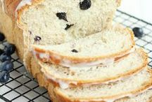 RECIPES Bread / Bread recipes that will make your meals amazing. Fruit bread recipes, pumpkin bread recipes, dinner bread recipes, breakfast bread recipes. Fresh bread is amazing and bread recipes smell amazing as you are baking them and taste amazing when they are done. / by Lauren H