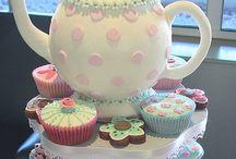 Cakes Candies & Snacks / by Sara Keaty