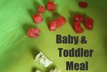 Finger Food Ideas for Babies / The best tips, ideas, meals, and recipes for first table foods or finger foods for babies and toddlers. Plus, what to give babies with no teeth (hint it doesn't matter if they have teeth!).