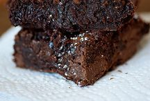 Addicted to Bars and Brownies / by Jessi Logan