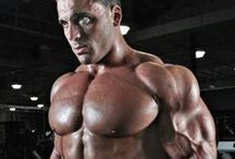 Pec perfection / Sculpt that chest to look your best.