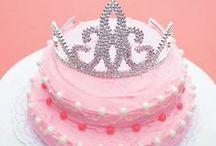 Cool Quinceañera Cakes / by Seventeen