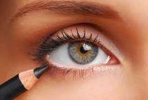 Hair/Makeup and Nails / by Kim Lyons