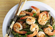 Shrimp and other shellfish / #shrimp #crab #shellfish #scallops / by Kristine Bets