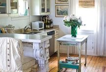 decorating / by Thuy Batts