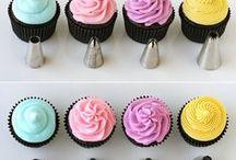 cupcake LOVE / by Suzanne Houchins