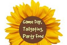Game Day, Tailgating, Party Food & More / Foods and snacks (plus party ideas) that are perfect for football!