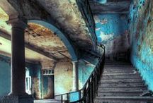 Derelict / We're a bit obsessed with beautiful old, abandoned buildings...