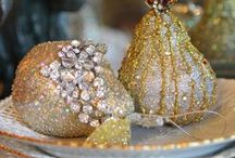 Wreaths, Centerpieces &Tablescapes / by Maureen Marie
