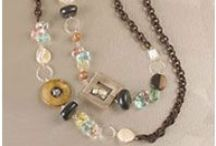Jewelry - necklaces / by Christine Davies