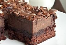 Brownies & Bars / by Monica (Retro Cake)