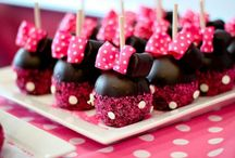 Cakepops / by Amanda Saldaña