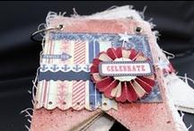 Authentique Glory layouts / Authentique Glory (és Authentique Pride) papírkészlet - mivel ez az amerikai Függetlenség Napja tiszteletére tervezett papírkészlet, ennélfogva piros-kék-natúr színű. Motívumkészlete lehetővé teszi, hogy hétköznapi és családi ünnepi témákhoz egyaránt felhasználjuk. http://www.webaruhaz.scrapbook.hu/206-glory