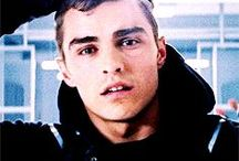 Dave Franco / Actor David John Franco in pictures. The youngest James Franco brother and known for his roles in the movie Neighbours and TV show Scrubs.