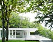 Modern-Modernist Houses / Houses built today with a strong modernist inspiration.