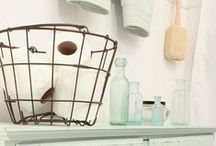 Organized Bathroom / Beautiful colors, inspiring views and how to organize the bathroom and keep it looking fresh.