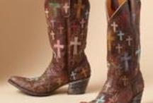 cowgirl fashions / by Linda Reyna