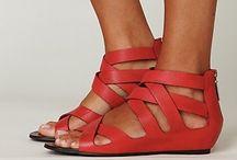 shoes / by Alma Cárdenas