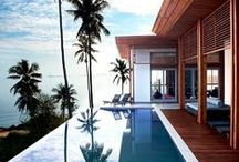 Pools / Palatial pool photos and ideas to make your hot summer days that much more enjoyable.