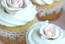 Cupcakes Galore / by Nicole Wakelin