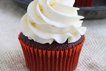 Cupcakes / by La Yogi Gourmande