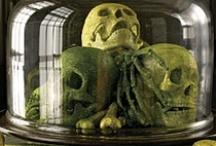 Art - Skulls or skeletons